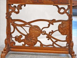 Table_à_ouvrage_art_nouveau_(Musée_des_Beaux-Arts_de_Lyon)_(5466684418)