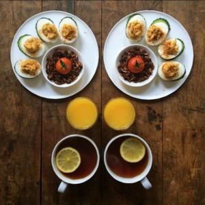 ブレックファーストのイメージ トマトのサラダと紅茶