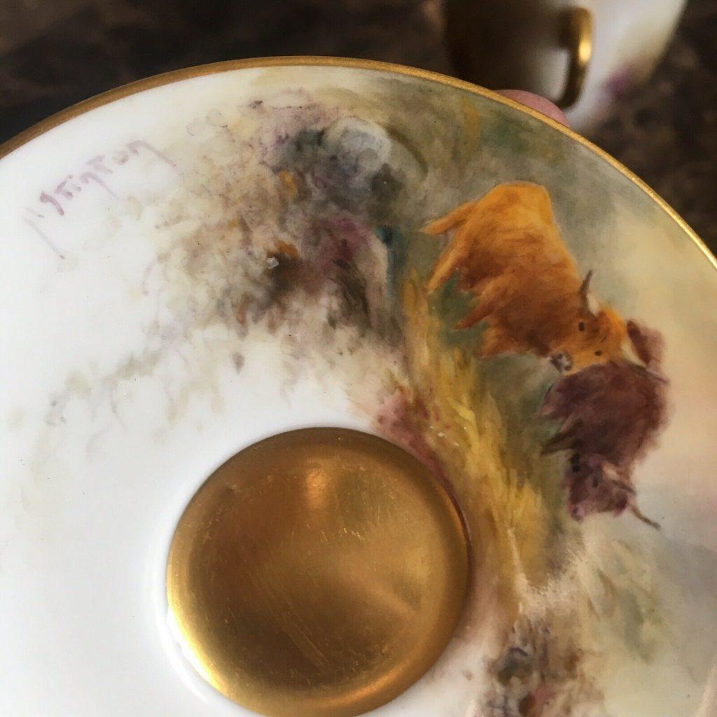 ロイヤルウースター ハイランド地方の牛のカップ&ソーサー