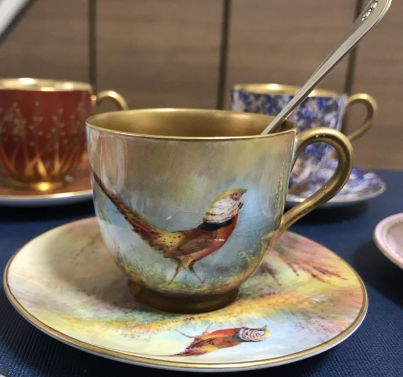 ロイヤルウースター雉(キンケイチョウ)のカップ&ソーサー