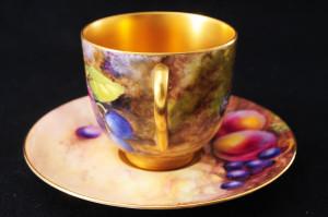 ロイヤルウースター ペインテッドフルーツのカップ&ソーサー イブシャムゴールド