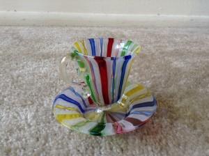 ベネチアングラスのツイスト技法を用いたカップ&ソーサー