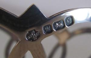 『イギリス・ミントン社とスターリングシルバーホルダーのカップ&ソーサー』のホールマーク