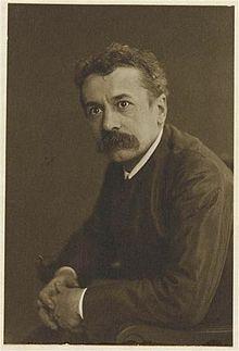 ルネラリックの人物写真