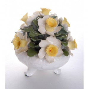 aynsley-hand-modelled-anniversary-flower-arrangements-april-daffodil-1