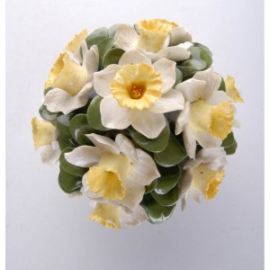aynsley-hand-modelled-anniversary-flower-arrangements-april-daffodil-2