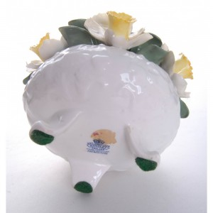 aynsley-hand-modelled-anniversary-flower-arrangements-april-daffodil-3
