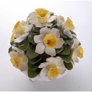 aynsley-hand-modelled-anniversary-flower-arrangements-april-daffodil