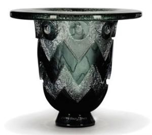 ドームナンシーの幾何学模様の花瓶