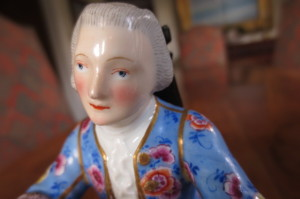 meissen man at desk (7)