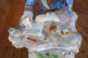 meissen man at desk (9)
