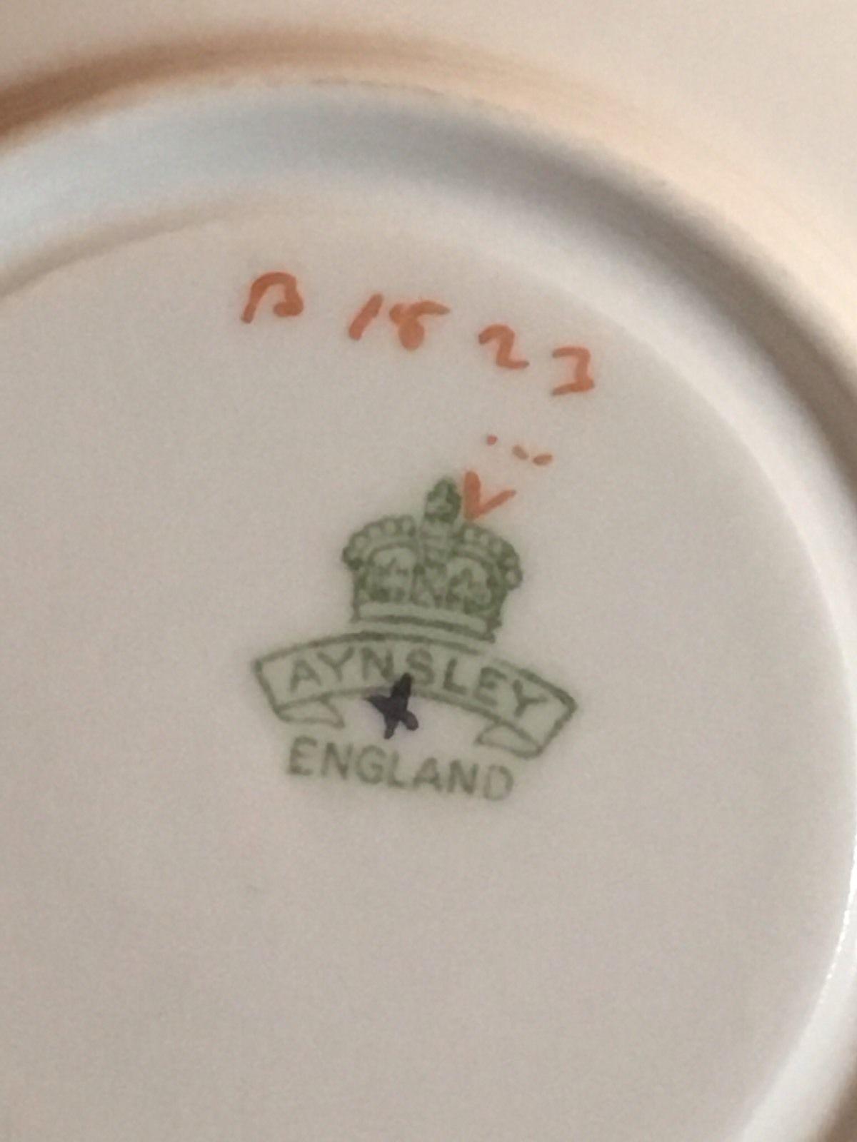 エインズレイティーカップ&ソーサー「ベネチア女性とバタフライハンドル」のマーク