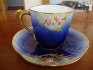 リモージュ 戯れる天使とローズブルームのカップ&ソーサー