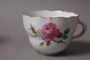マイセン(meissen)ピンクローズのカップ