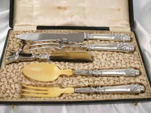 19世紀のフレンチアンティークゴシックライオンのシルバーウェア