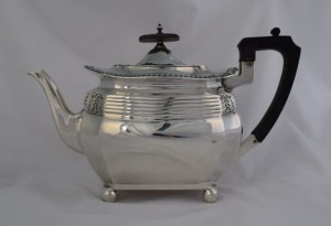 walker-hall-edwardian-silver-teapot-art-nouveau-sheffield-1908-reeded-bombe-ebonised-handle-403983