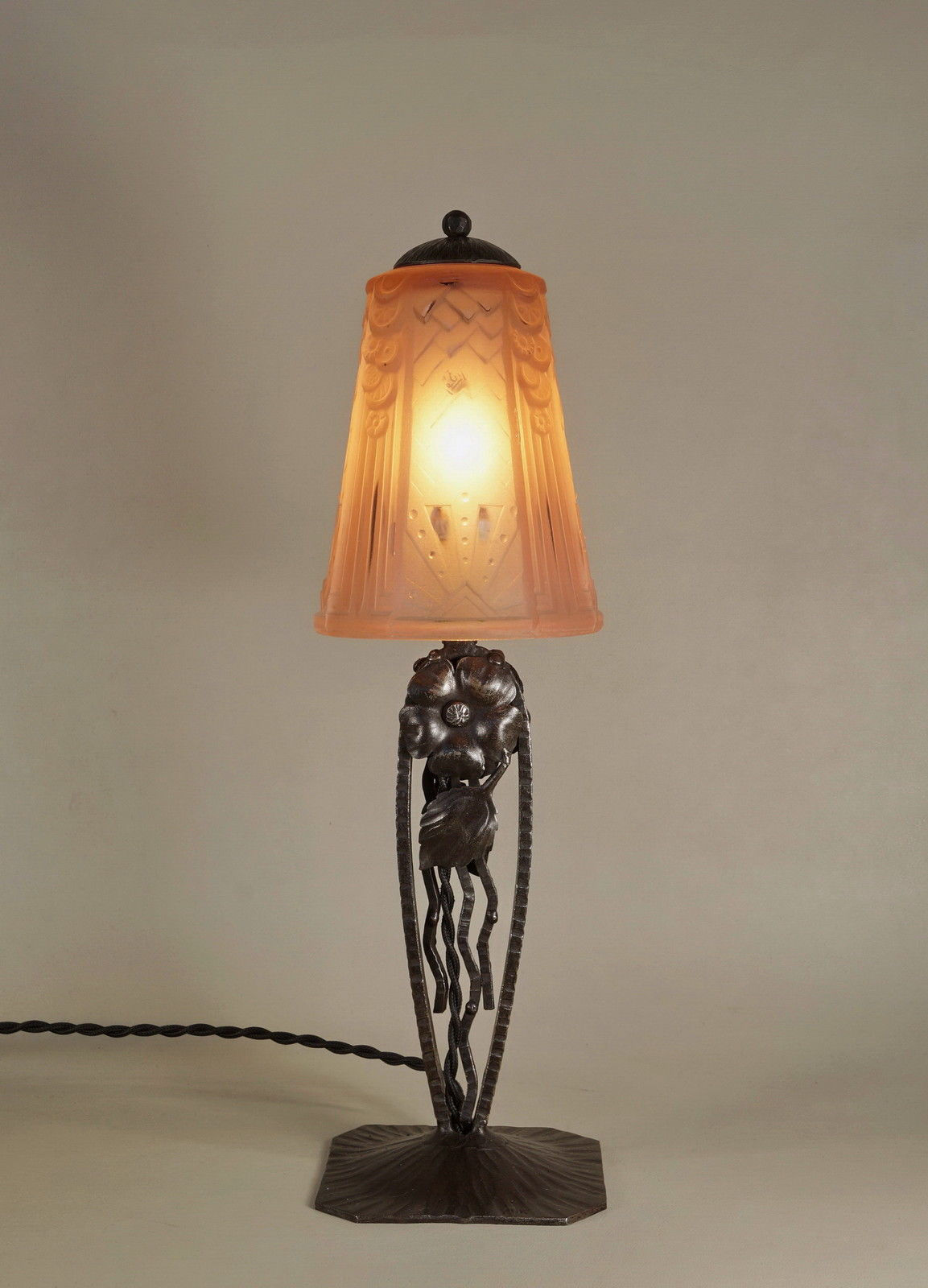 ミューラー兄弟 アールデコ幾何学模様のランプ