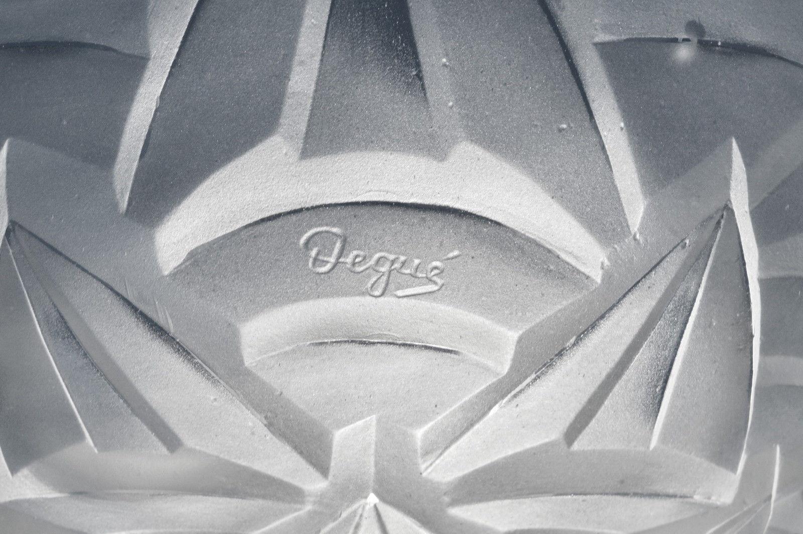 ドュゲ(Degue)幾何学模様のアンティーク照明 ペンダントシャンデリアのサイン