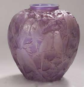 ルネラリック(Rene Lalique)の偽物の花瓶