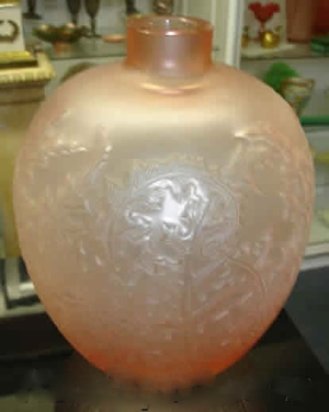 ルネラリック(Rene Lalique)の偽物の花瓶 アカンサス