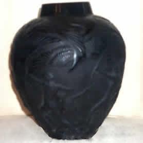ルネラリック(Rene Lalique)の偽物の射手をモチーフとした花瓶
