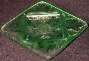 アメリカ製 ルネラリック(Rene Lalique)の偽物の灰皿
