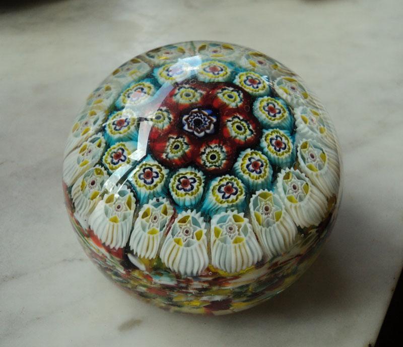 ヴェネチア製 ベネチアングラス(ムラノガラス)のミルフィオリの置物