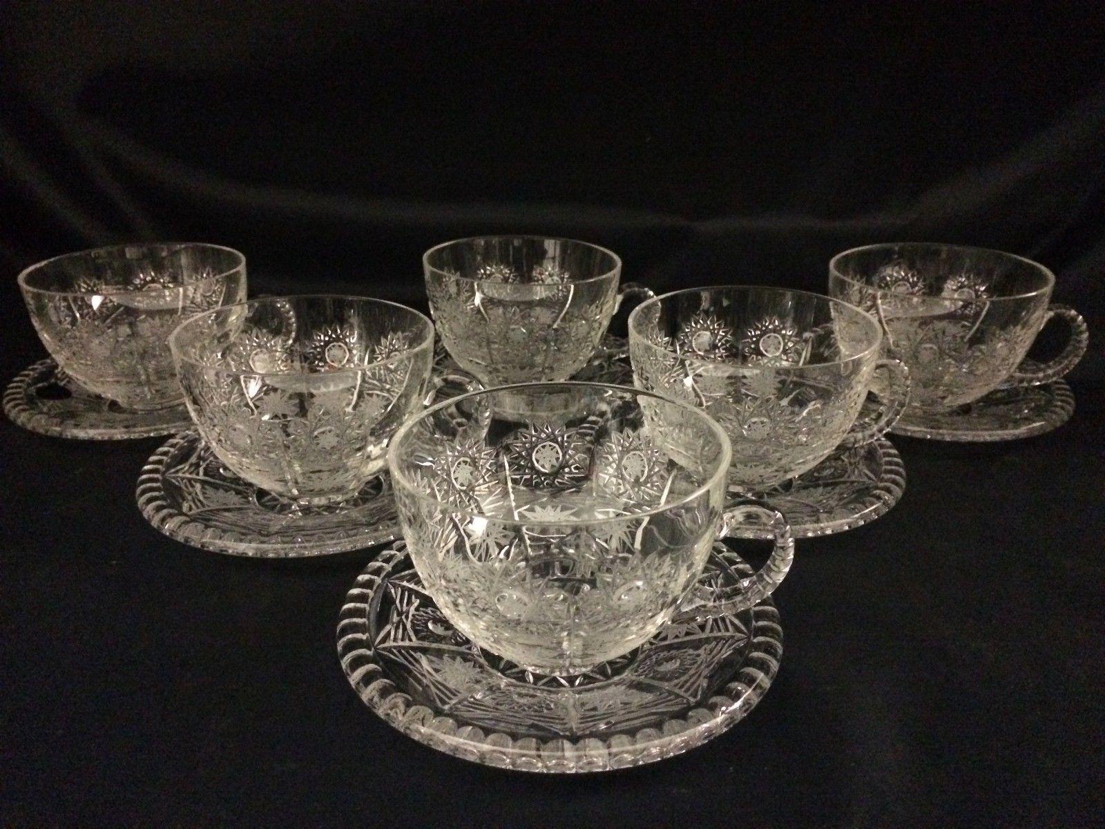 エングレーヴィング技法を使ったボヘミアングラスのカップ&ソーサー bohemian glass cup