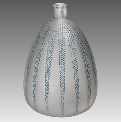 ルネラリック 「ミモザ」花瓶 1924