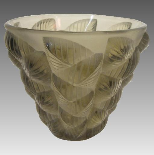 ルネラリック モザイク 透明と不透明なトパーズ色のガラス花瓶 1927年頃