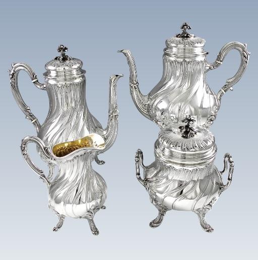 ピュイフォルカ 優雅なフレンチアンティーク ルイ15世スタイル純銀のティー&コーヒーセット