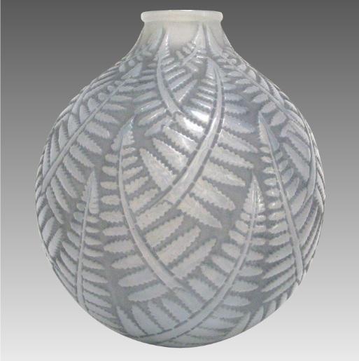 ルネラリック 「エスパリオン」 灰緑青のシダ模様花瓶 1927年頃