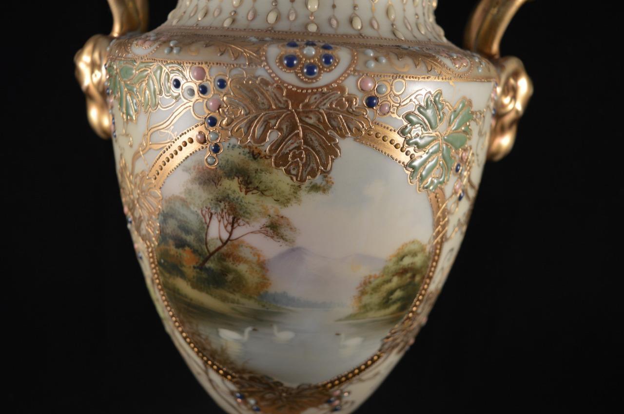 オールドノリタケのアールヌーボー様式の花瓶