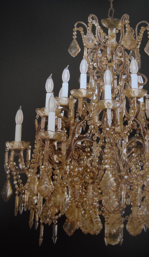 サヴォイア家によるマリア・アントニア様式のシャンデリア