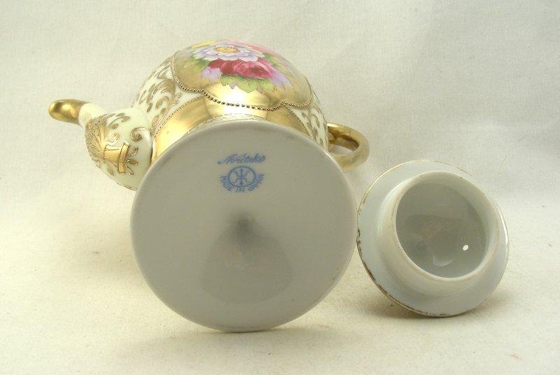 ・オールドノリタケ、アール・デコ調の陶磁器製コーヒーサービスのサイン