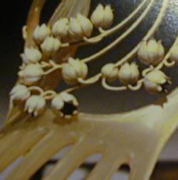 muguet-comb