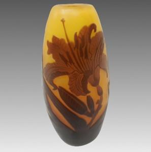 フランスの工芸家 エミールガレ作 大輪の花の花瓶