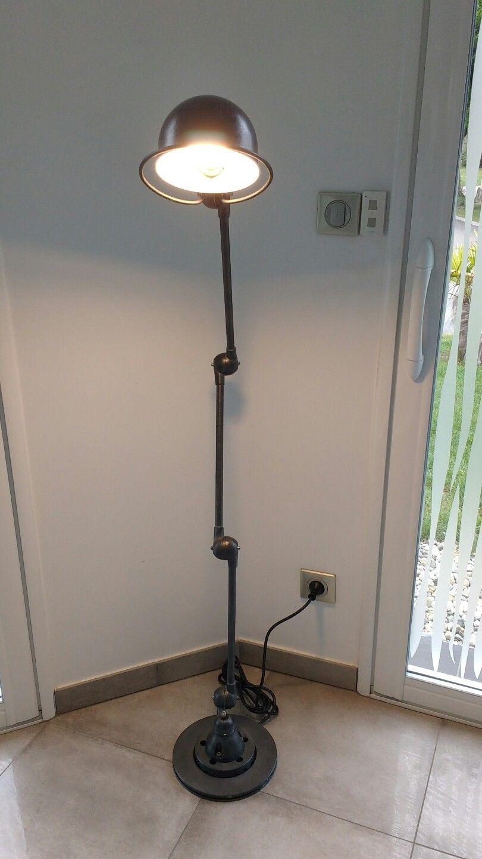 ジェルデ ヴィンテージ 5アームランプ 点灯時の画像