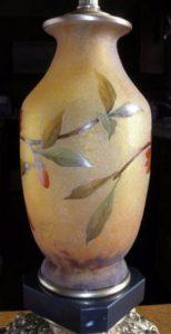 ドーム兄弟 アールヌーボー リンゴの花のエナメルグラスランプ