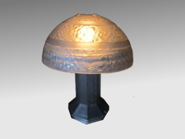 ルネラリック ガラスシェード テーブルランプ