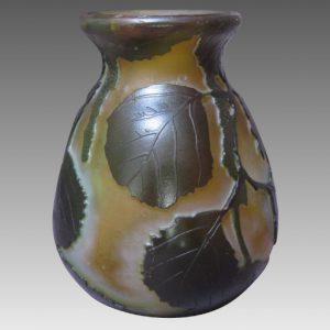 ルグラ カメオ アートガラス リーフモチーフの花瓶