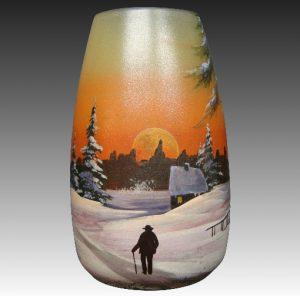ルグラ フランス製 エナメル アートガラス花瓶 小道を男性が行く冬景色