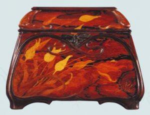 エコール・ド・ナンシー美術館蔵のエミール・ガレ「チューリップの化粧小箱」