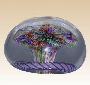 バカラのアンティークペーパーウェイト ミルフィオリ きのこ状のデザイン 丸型ガラス製 1850年代もの