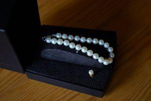 箱に収納した真珠